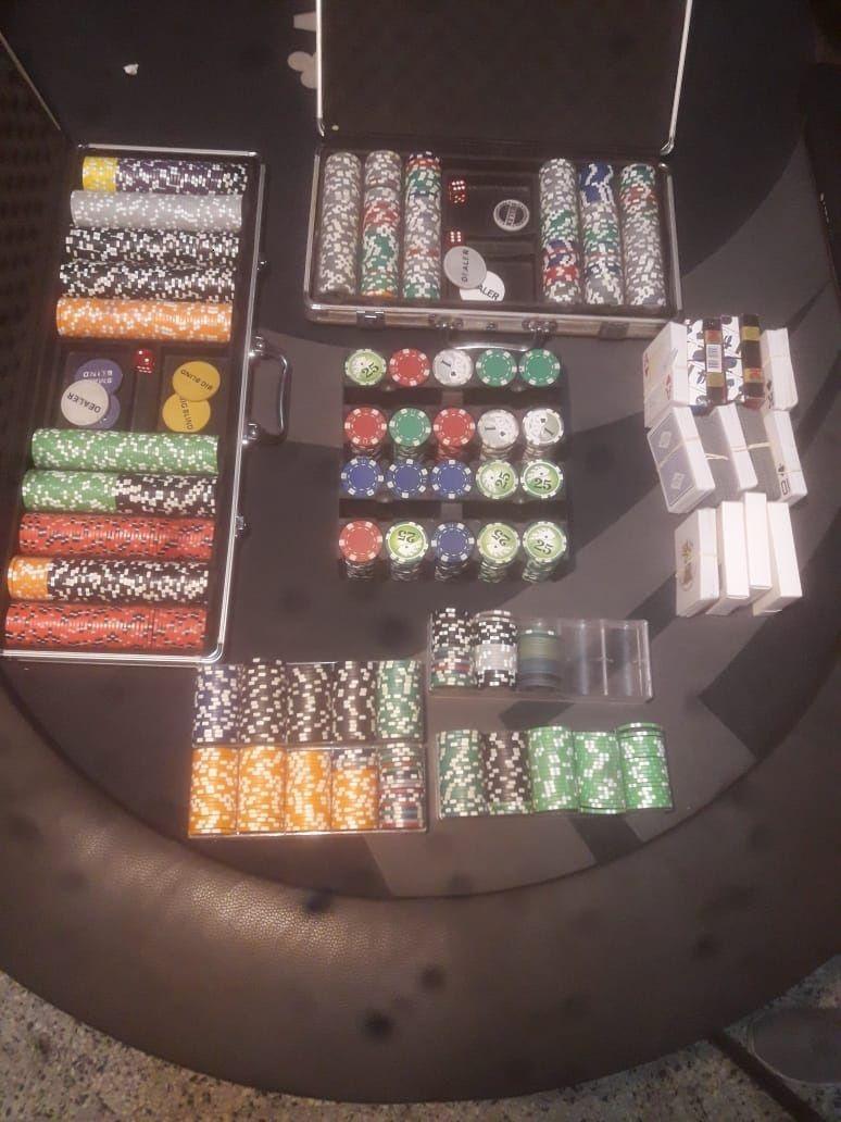 Detuvieron a 20 personas en una tarde de póquer en Jockey Club.
