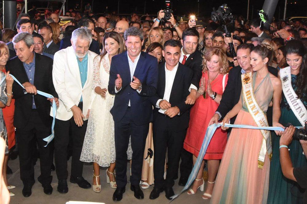 Inauguración FNS 2020: corte de cintas (Foto: Adrián Carrizo, sj8)