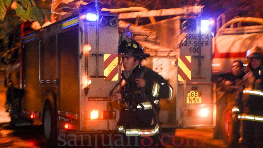 Incendio - Bomberos- Foto: Adrián Carrizo