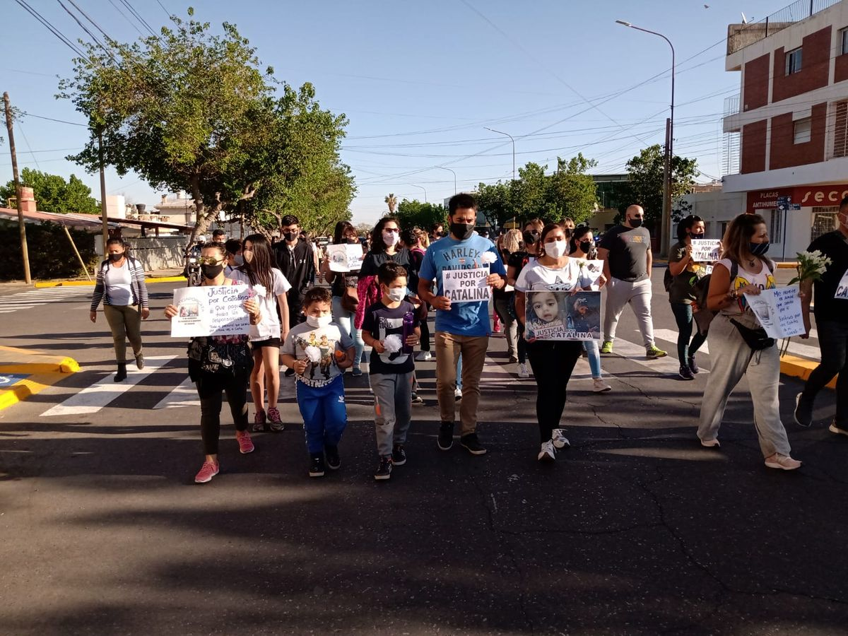 Familiares y amigos marcharon pidiendo Justicia por Catalina.