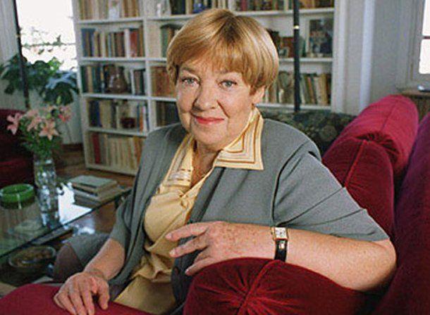 Falleció la escritora María Elena Walsh