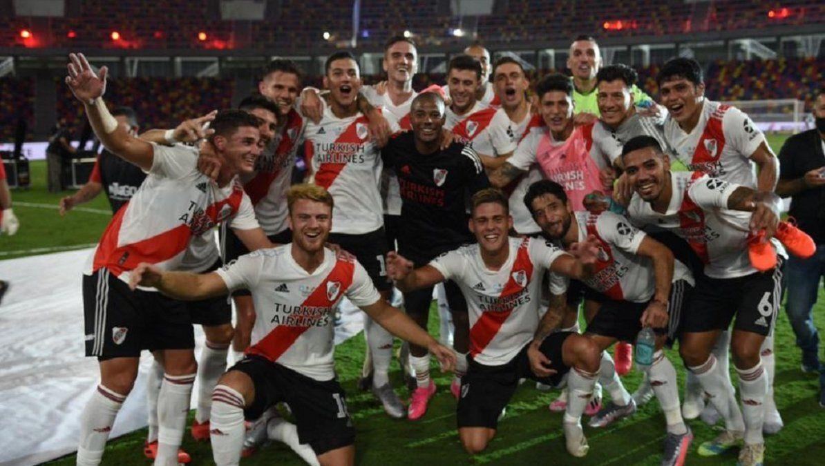 River apabulló a Racing y levantó la Supercopa Argentina