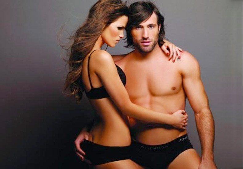 Impresionante: la sexy representante de Pavone, le consiguió nuevo club