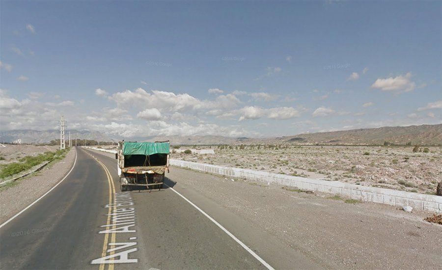 Atención: cortaron el tránsito de una importante calle de Chimbas