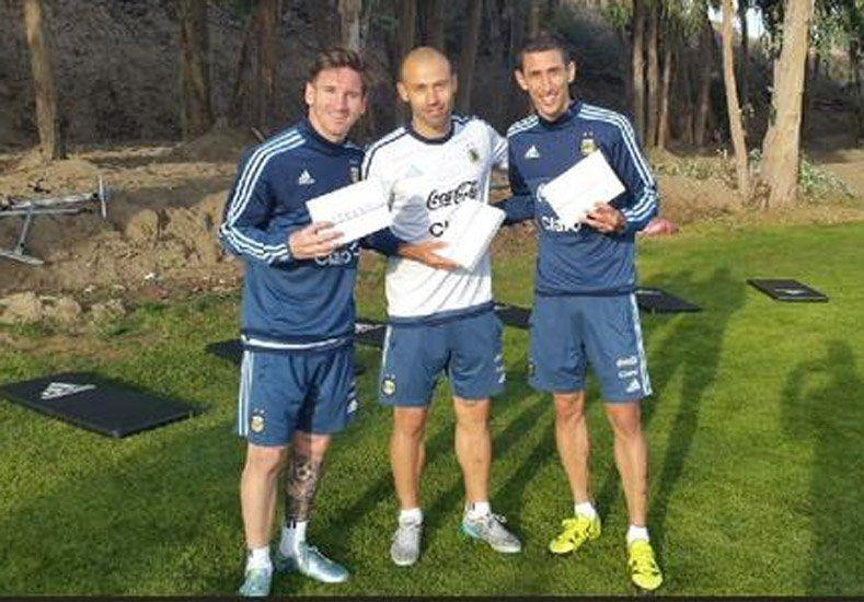¡Campeones! Messi, Masche y Di María ganaron el torneo de fútbol tenis