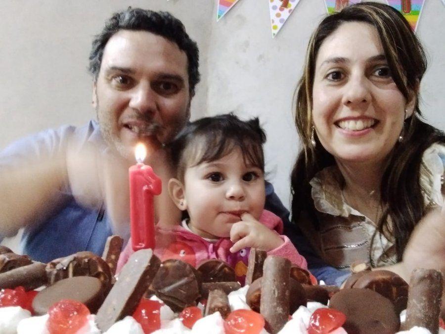 La beba es María Cecilia Martín Echegaray.