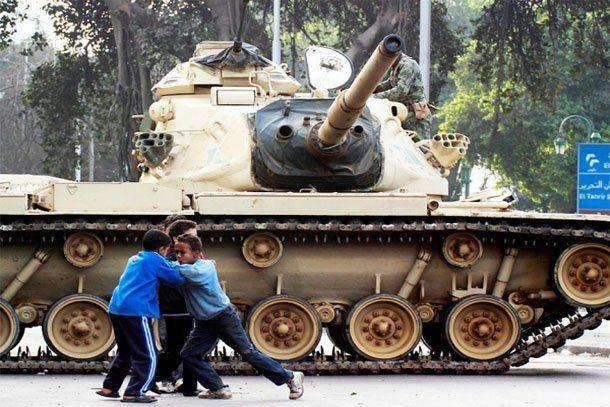 Egipto: se reportó cerca de un centenar de muertos y siguen las protestas