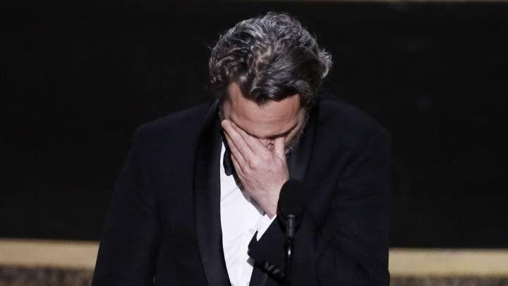 Las lágrimas de Joaquin Phoenix al recordar a su hermano fallecido