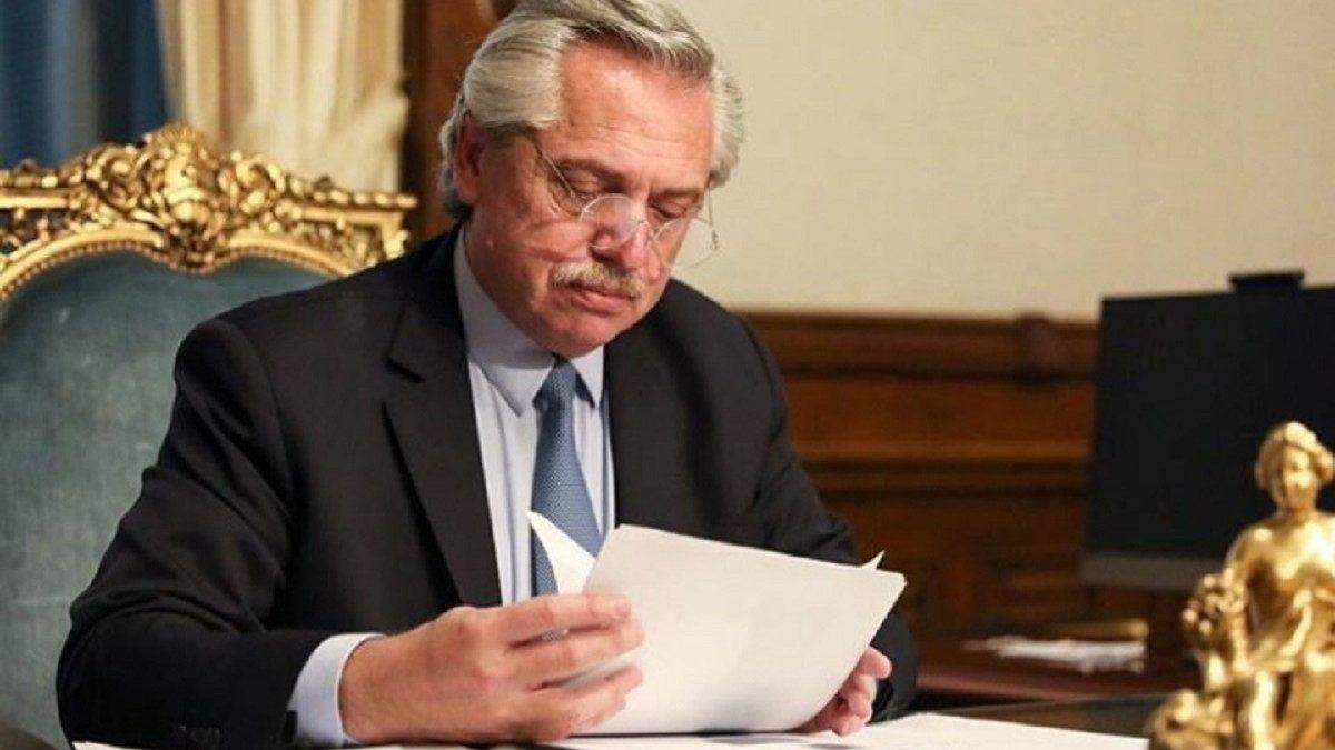 Fernández destacó el alto acatamiento de las medidas en el AMBA
