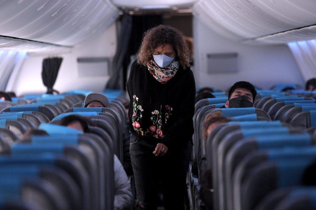 Desde el sábado, suspenden los vuelos a Brasil, Chile y México
