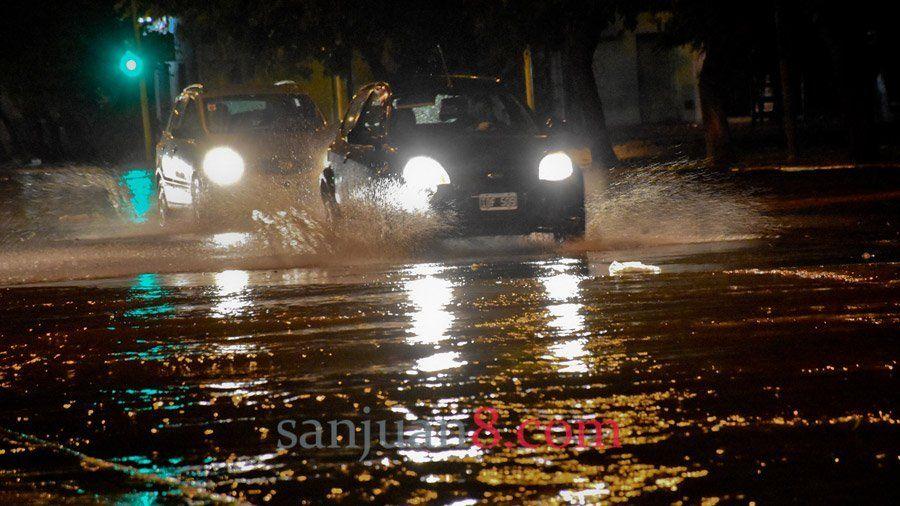 Seis familias debieron ser evacuadas en Chimbas por la intensa lluvia