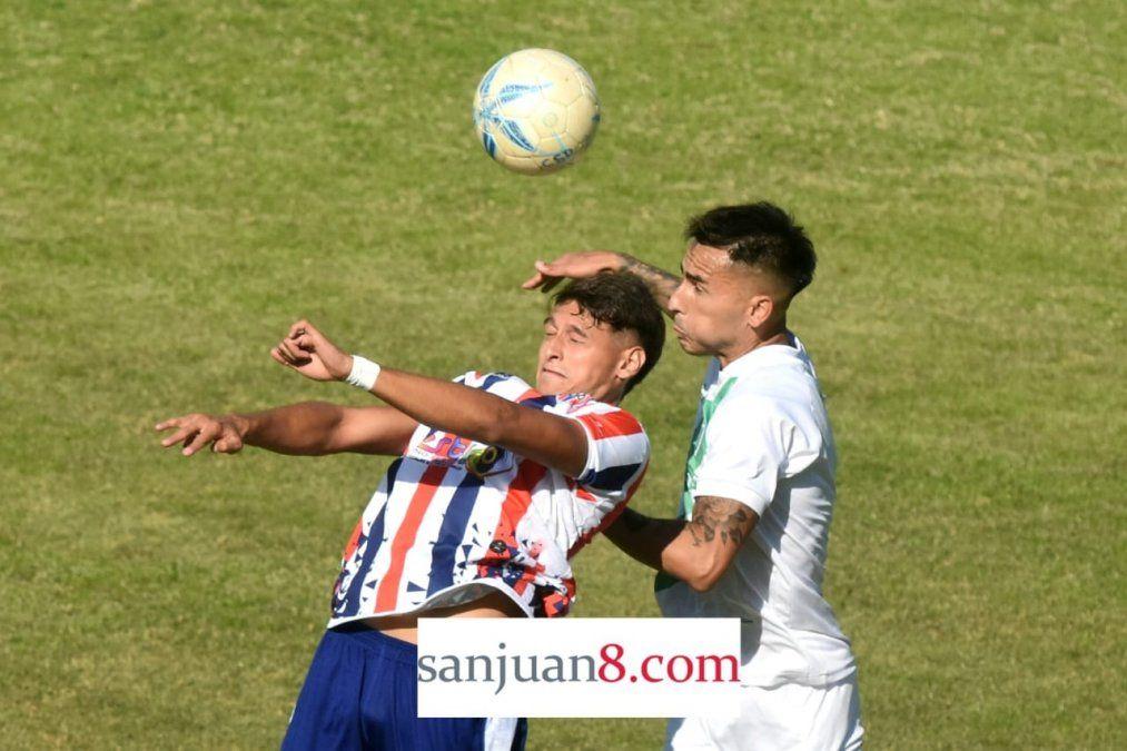 Desamparados y Peñarol empataron 3 a 3 el Serpentario. Foto: Adrián Carrizo