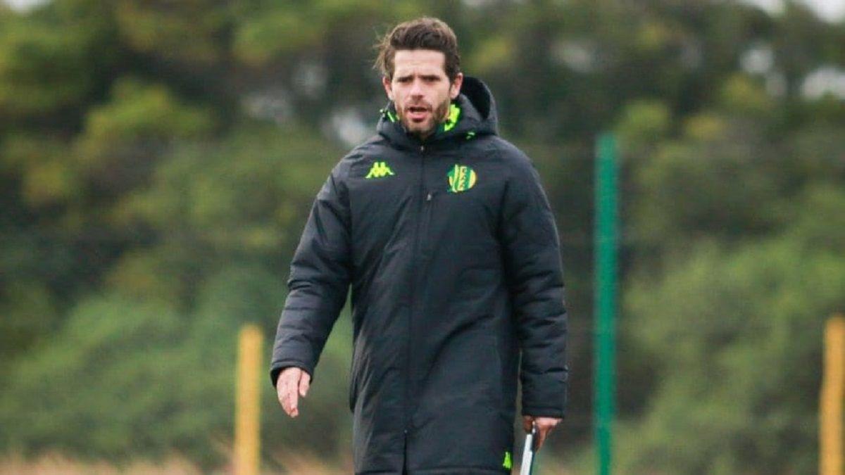 Fernando Gago renunció como director técnico de Aldosivi