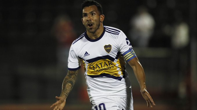 Tevez concentra con Boca y podría ser titular ante Vélez