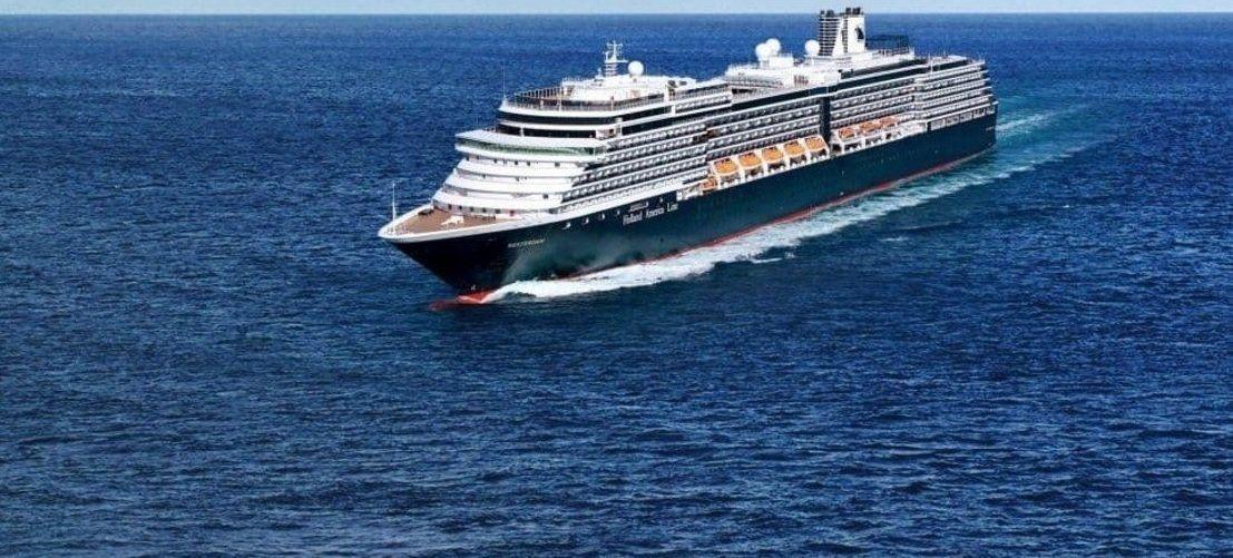 Cuatro países prohibieron la entrada de un crucero por temor al coronavirus