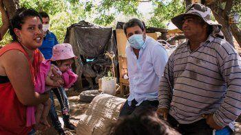 Uñac visitó a los damnificados por el terremoto en La Rinconada