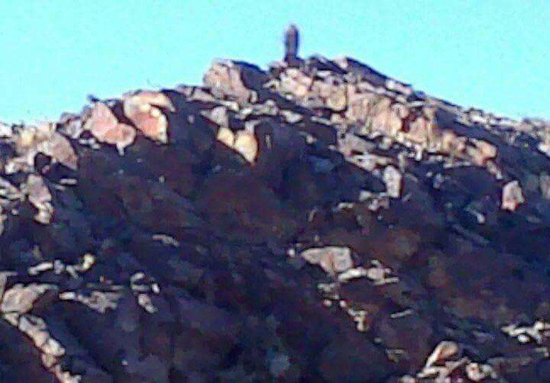 Difundieron una supuesta imagen de una virgen en un cerro de Angaco