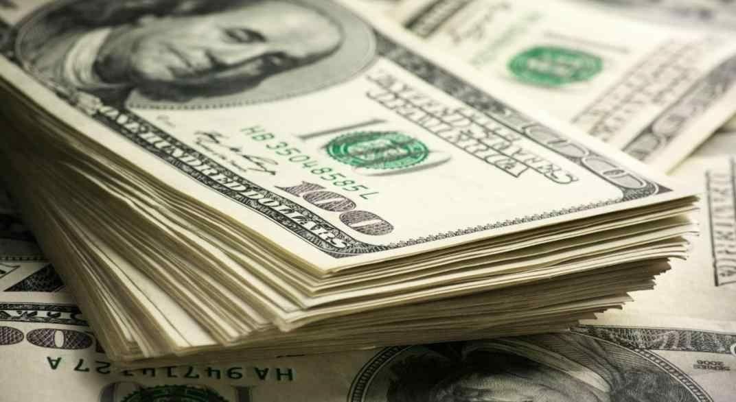 El dólar libre, imparable escaló  a $192