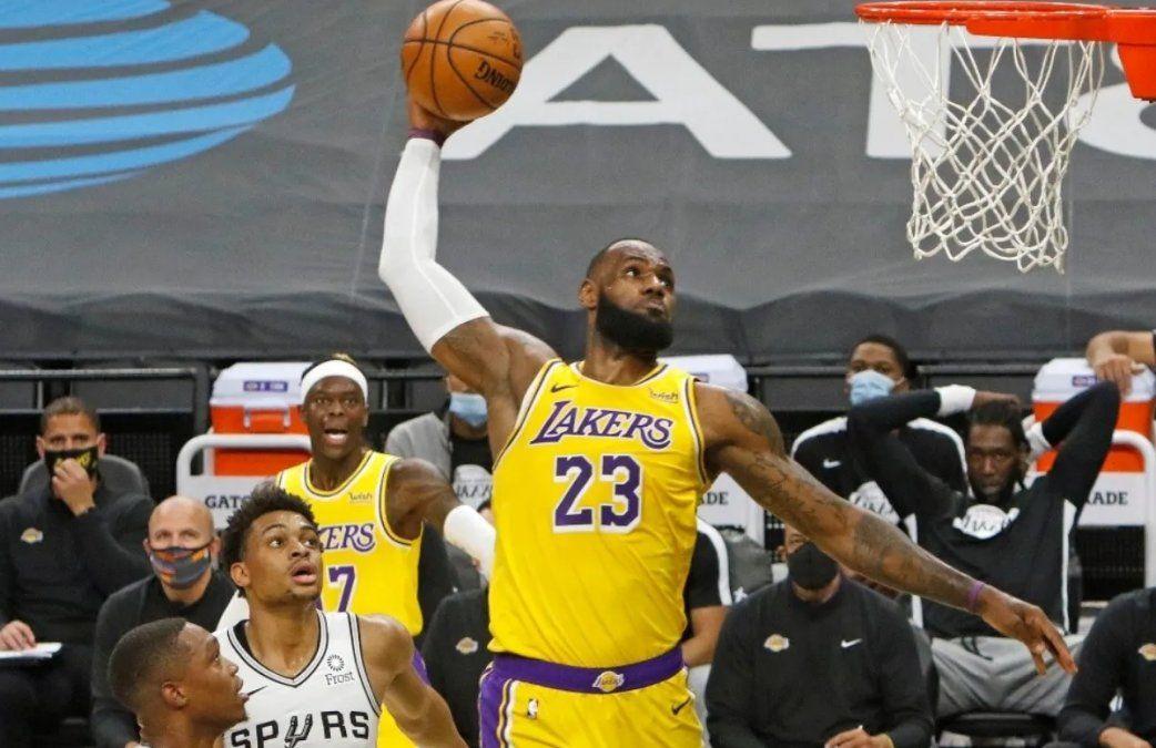 LeBron James sigue rompiendo marcas en la NBA.