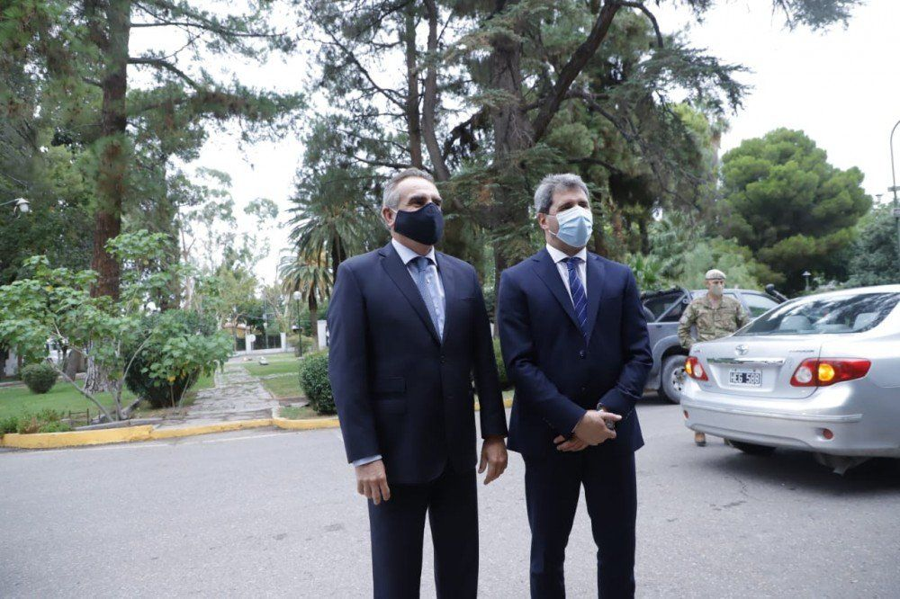Rossi llegó a San Juan para respaldar la asistencia del Ejército tras el terremoto