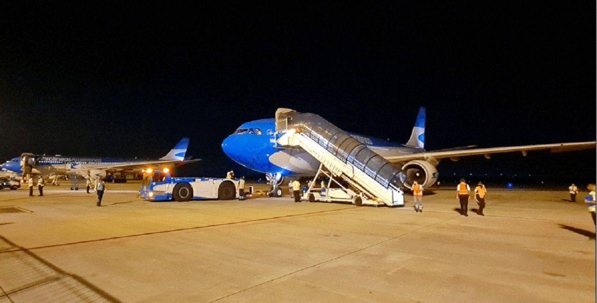 El sábado parte un avión a China en busca de dosis Sinopharm