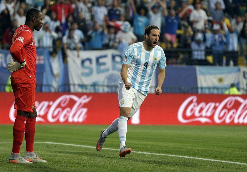 Mirá el gol: el Pipita metió una media vuelta para que Argentina supere a Jamaica