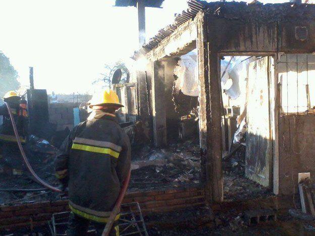 Otro incendio en Rawson: Una casa prefabricada se prendió fuego