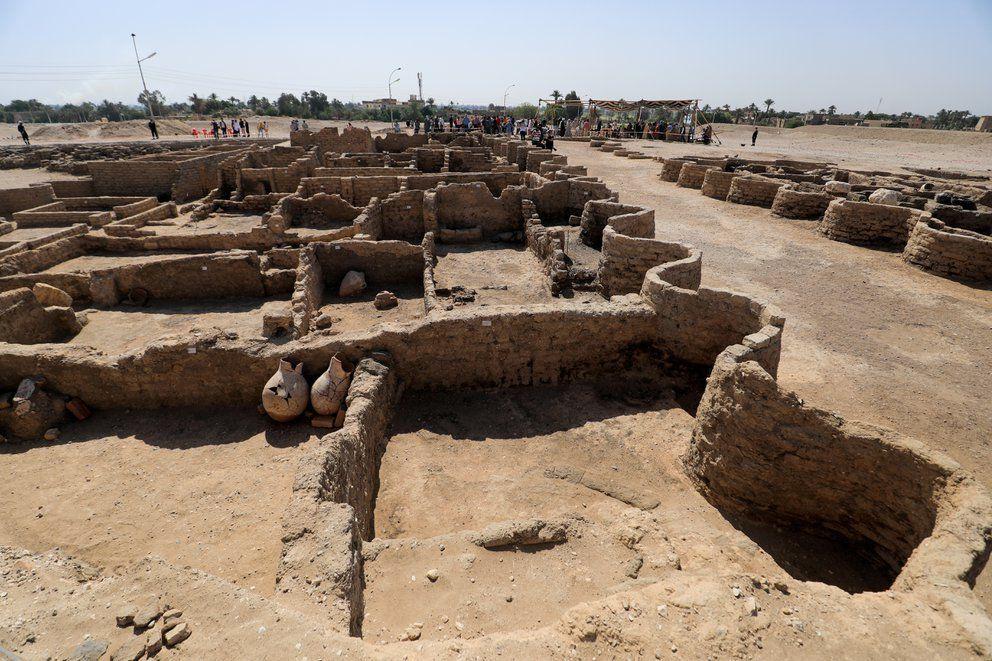 Una impactante ciudad faraónica de 3.000 años de antigüedad fue hallada bajo la arena de Egipto