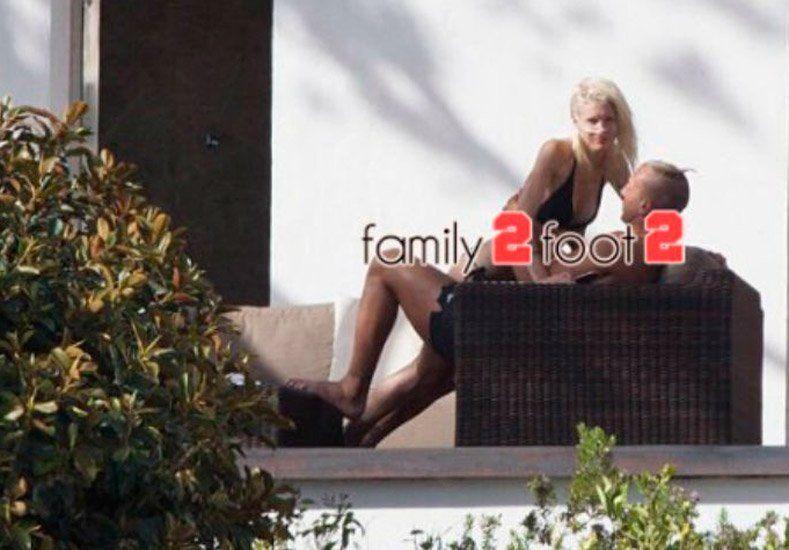 Maxi López y su novia en Ibiza