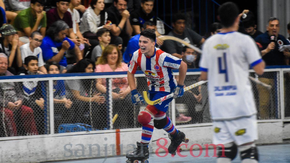 Hispano venció a Olimpia en la final de la Copa Federación de hockey. Fotos: Adrián Carrizo.