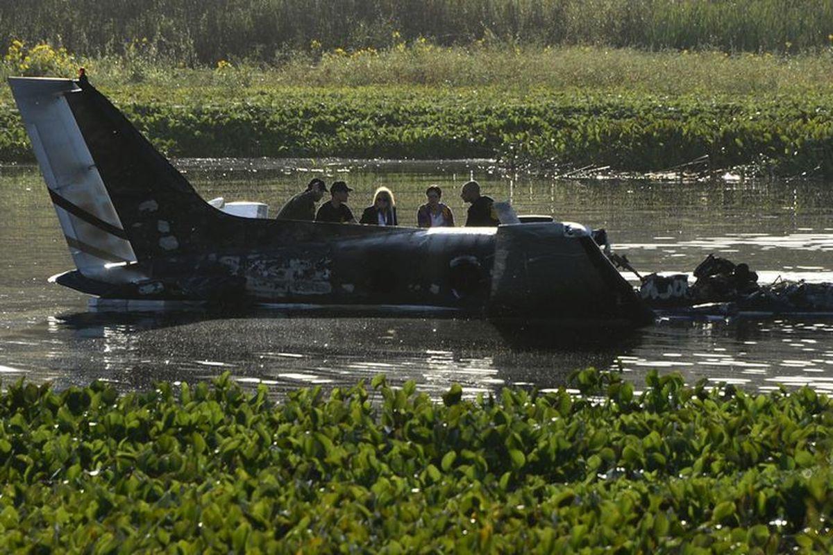 Un avión argentino cayó en Uruguay: hay dos personas fallecidas