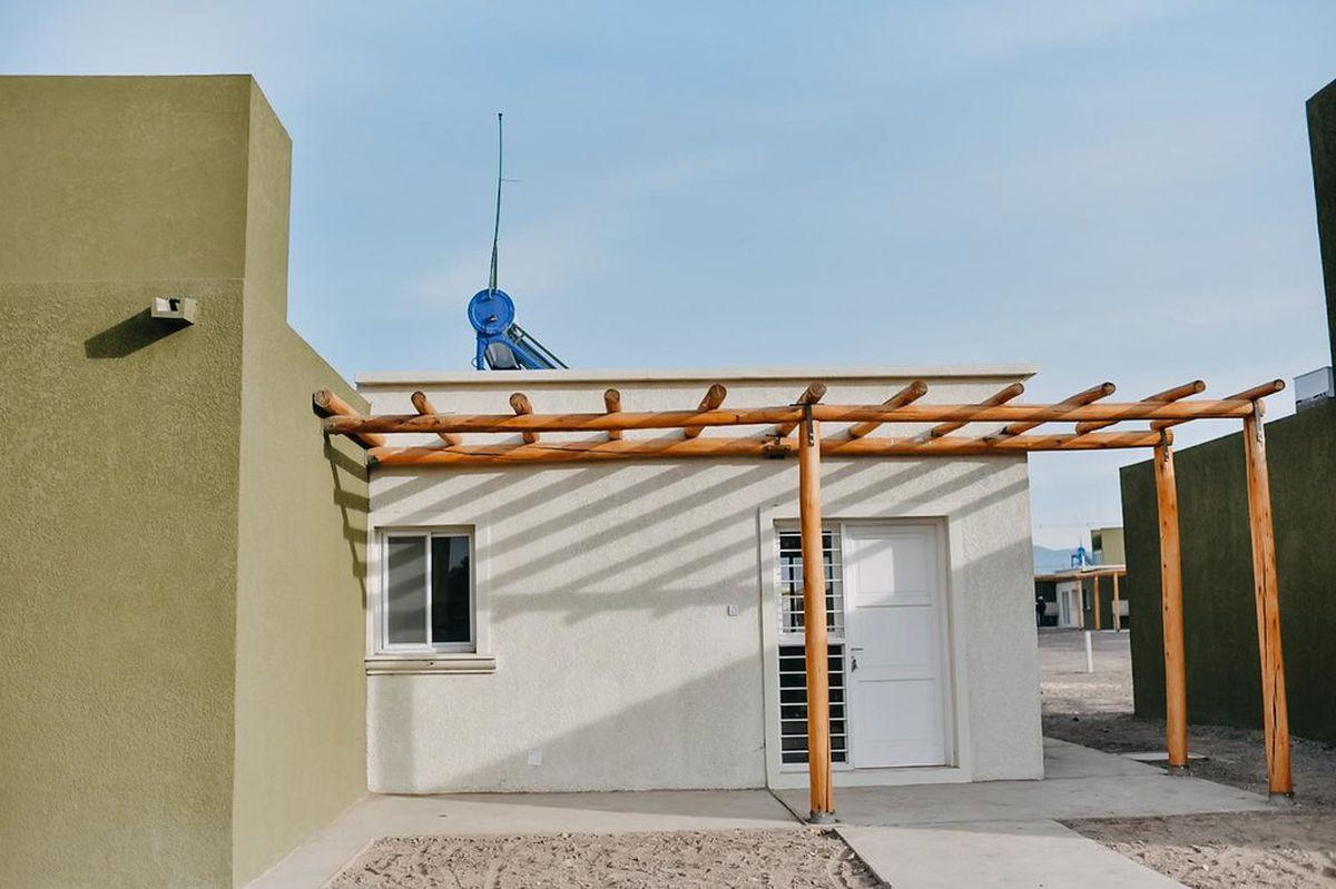 Hay 9 empresas interesadas en construir 143 viviendas en Pocito