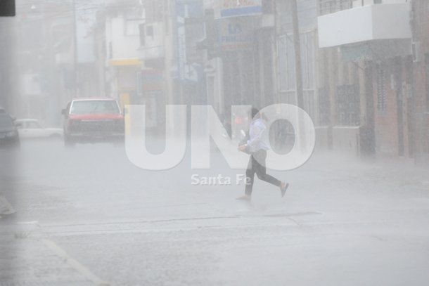 Lluvia, viento y granizo en Santa Fe
