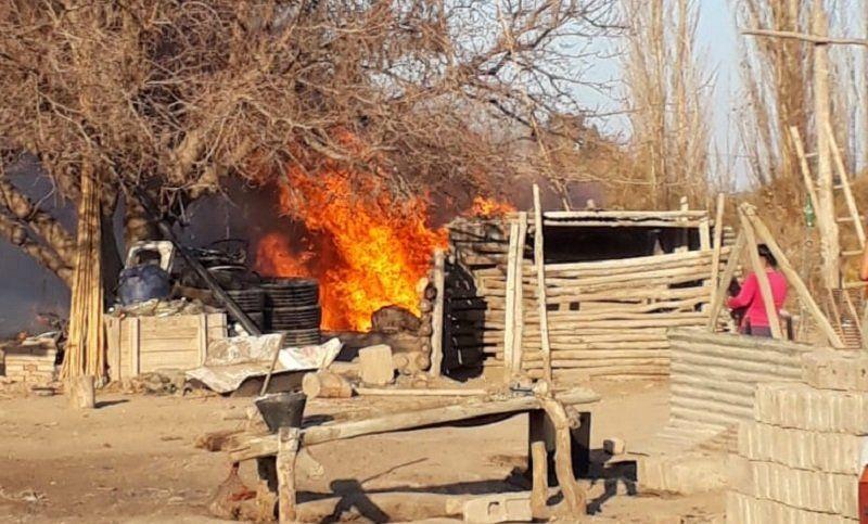 Pocito: susto por dos incendios de pasturas y cañaverales