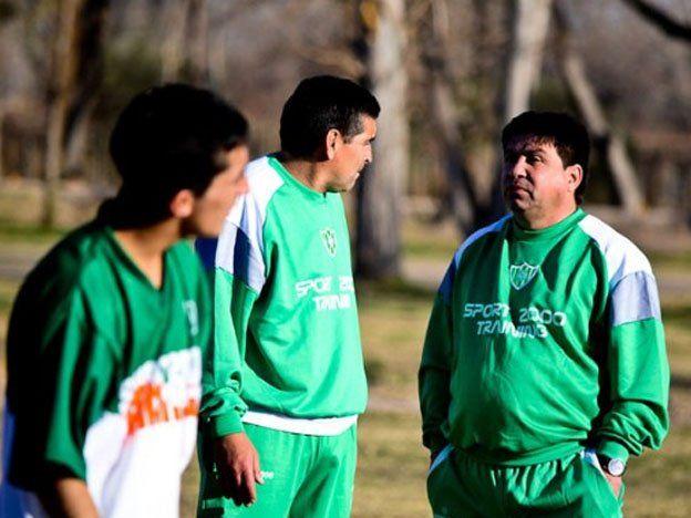 Desamparados volvió a entrenar con equipo reducido por las deudas