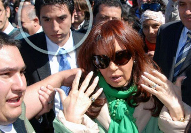 Uno de los secretarios privados de la presidente Cristina Fernández presentó la renuncia