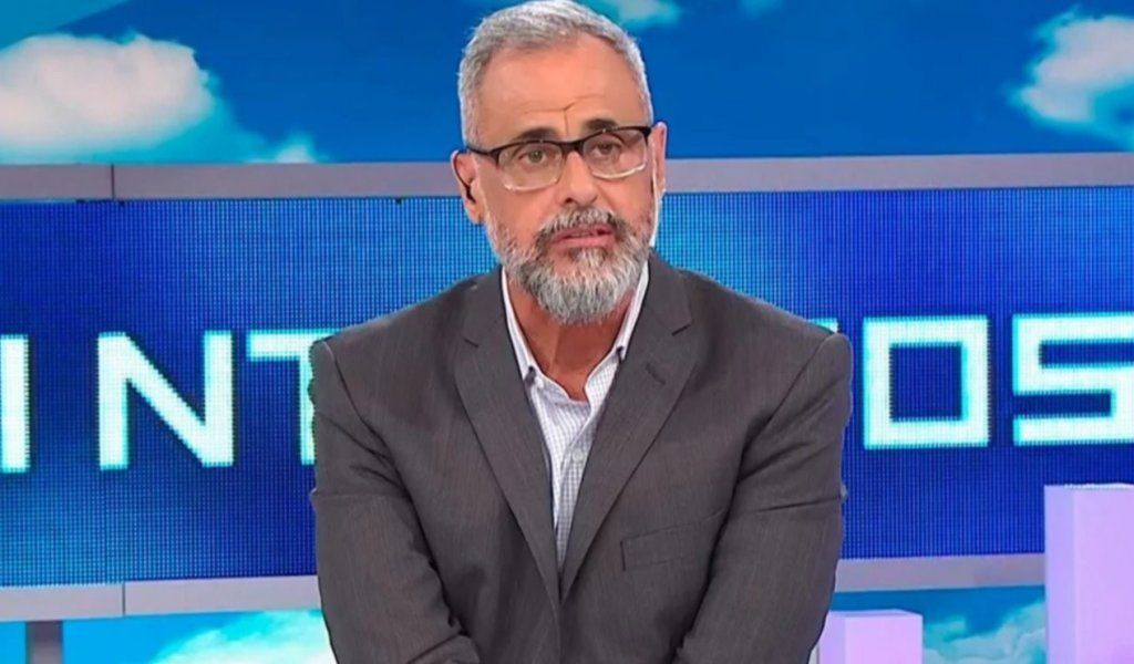 Rial le apuntó al periodismo deportivo: Muchos participaron de las fiestas de Diego
