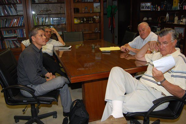 Gioja se reunió con la empresa que explorará dos áreas mineras de Calingasta