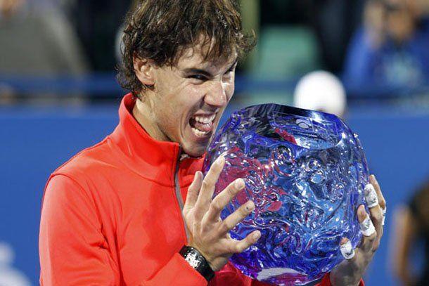 Rafael Nadal arrancó el año con otro triunfo sobre Roger Federer