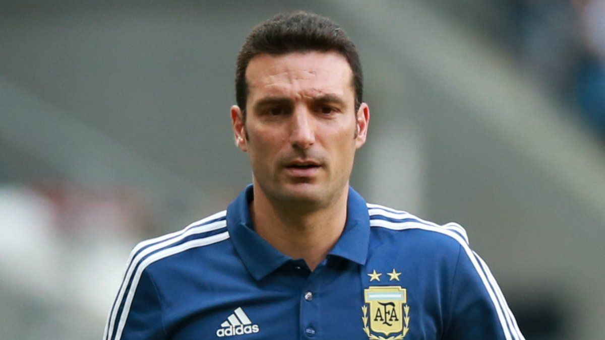 Scaloni analiza variantes después del opaco empate con Chile