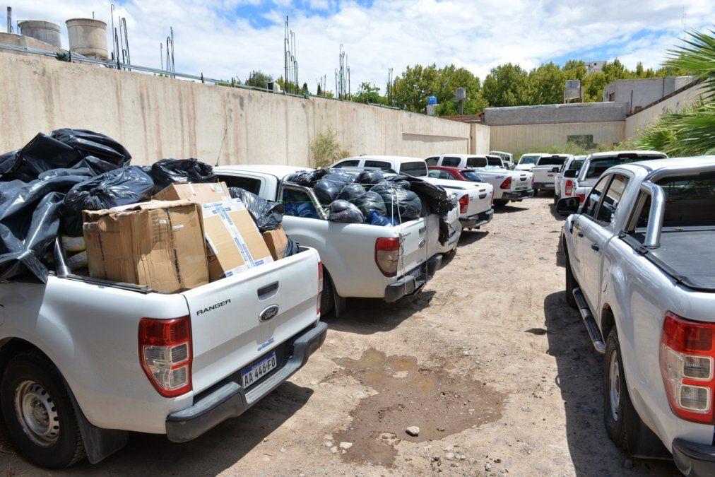Llegaron 12 camionetas desde Córdoba para ayudar a los damnificados por el terremoto.
