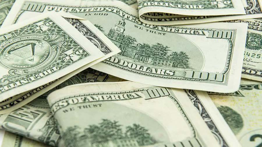El dólar abrió estable y el riesgo país en baja