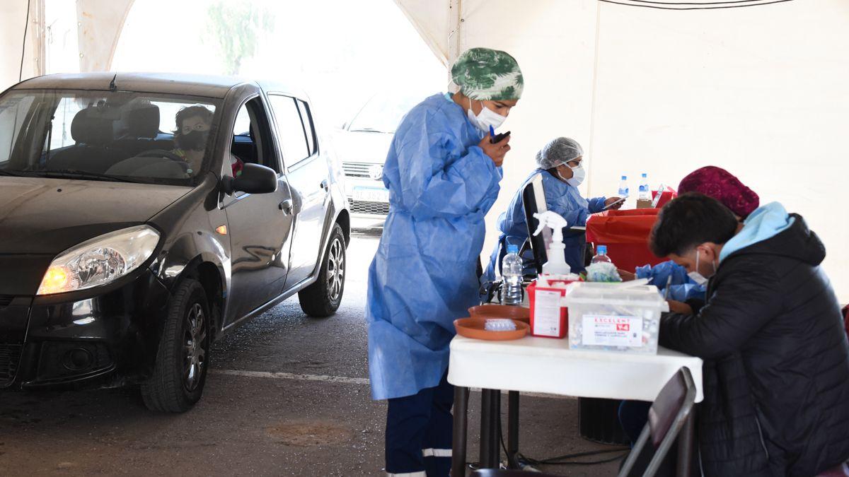 Por el fuerte viento, los AutoVac suspendieron la vacunación
