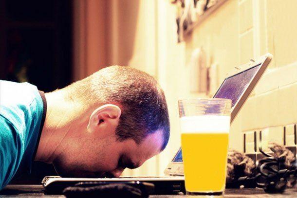 8 cosas que nunca tenés que hacer en internet cuando estás borracho