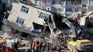 Suman 114 los muertos por el sismo en Turquía y no se buscan más sobrevivientes