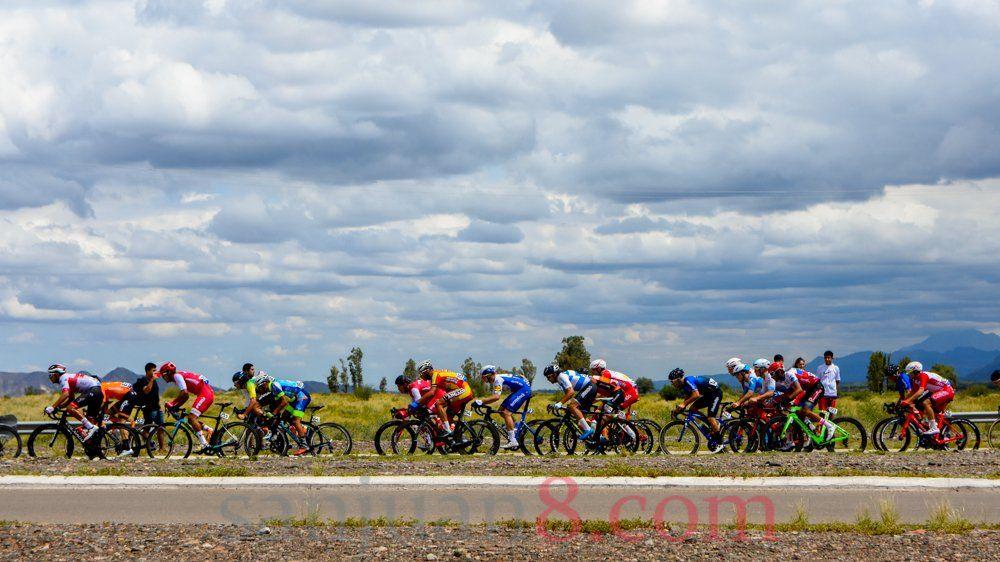 Ocho ciclistas dieron positivo de Covid-19 y quedaron al margen de la 1ª fecha
