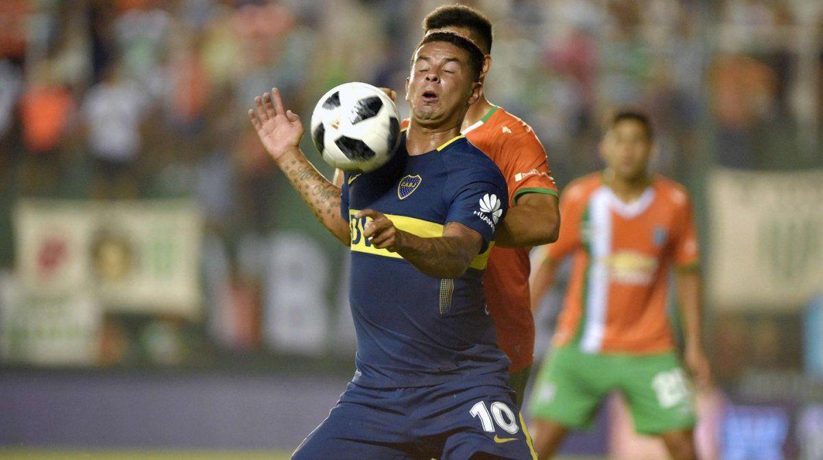 Boca enfrenta a Banfield en San Juan: hora, TV y formaciones