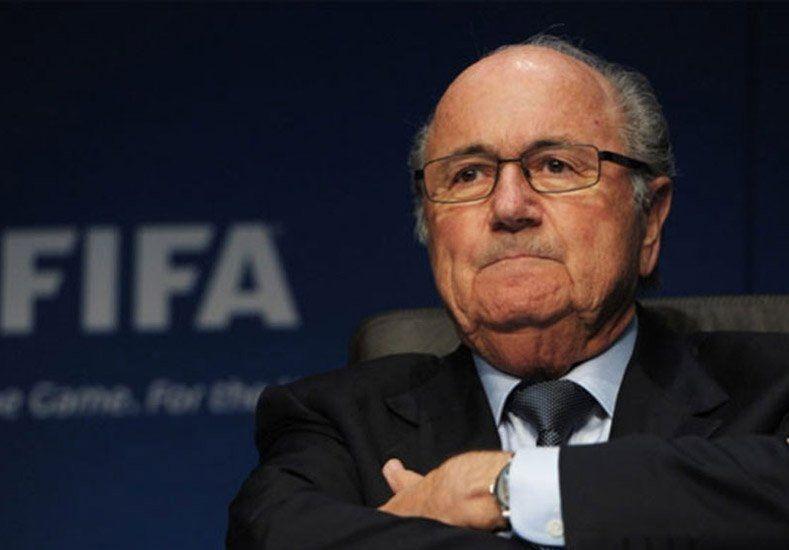 Tras ganar las elecciones, Blatter renunció como presidente de la FIFA