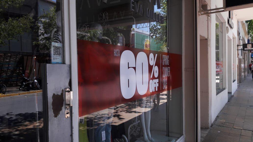Los útiles escolares vienen con un 40%, pero habrá promociones
