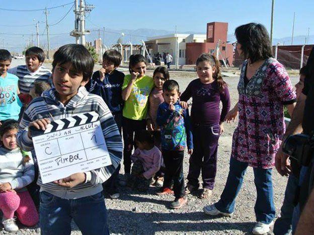 Un barrio que dejó la rutina para contar su historia en una película